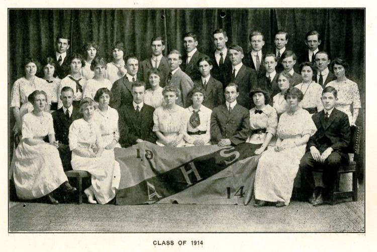 1914 Chevron Throw Back Thursday_class of 1914